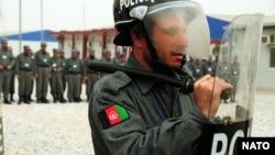 پولیس افغانستان در حال تمرین