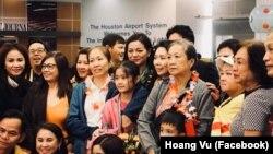 Blogger Mẹ Nấm và gia đình được chào đón tại TP. Houston, bang Texas, ngày 17/10/2018.