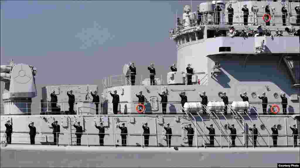 ایک بحری جہاز کا دلکش نظارہ