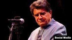محمدرضا شجریان خواننده آواز سنتی ایران چندی است برای درمان بیماری سرطان خود در آلمان به سر میبرد