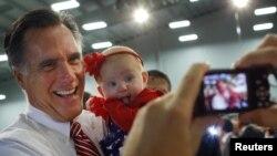 Agitada jornada de Mitt Romney en Florida al reanudarse intensamente la campaña.