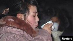 북한 평양의 거리 매대에서 여성들이 차를 마시고 있다. (자료사진)