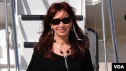 """Un día antes, el diputado Kunkel declaró que """"es previsible que Cristina lance su reelección el 23 de junio""""."""