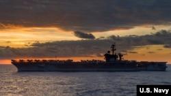 卡尔·文森号航母2018年2月10日再巡南中国海(美国海军照片)