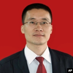 广州律师唐荆陵(档案照片)