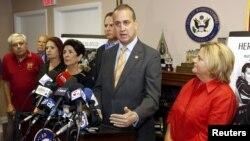 Los republicanos en el Congreso también se opusieron a la apertura de una embajada estadounidense en Cuba.