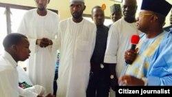 Gwamnan Adamawa Jibrilla Bindo yayinda ya ya ziyarci Isa Hama a asibiti