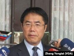 台湾执政党民进党立委黄伟哲 (美国之音张永泰拍摄)