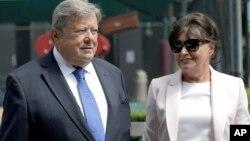 Ông Viktor Knavs và bà Amalija Knavs, Bố Mẹ Đệ nhất Phu nhân Melania Trump đã tuyên thệ nhập quốc tịch Mỹ tại New York City ngày 9/8/2018.