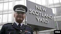 Paul Stephenson, kepala polisi London yang mengundurkan diri (foto: dok.).