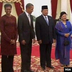 Presiden AS Barack Obama dan ibu negara Michelle Obama saat berkunjung ke Jakarta.