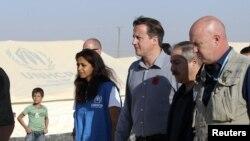 Serokwezîrê Brîtanya David Cameron serdana kampa penaberên Sûrî dike