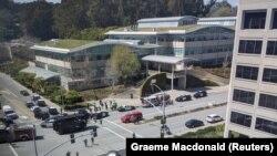 محل حملۀ روز سه شنبه در دفتر مرکزی یوتیوب در کالیفورنیا