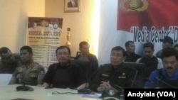 Menteri Koordinator Politik Hukum dan Keamanan Wiranto di Mako Brimob, Kamis, 10 Mei 2018. (Foto: VOA/Andylala)