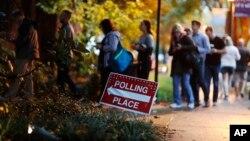 喬治亞州居民排隊投票