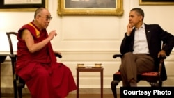 2011年7月16日,奧巴馬在白宮地圖室會見達賴喇嘛(資料圖片)