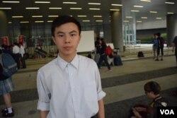 反對普教中的歐陽同學表示,擔心普教中會令香港越來越接近中國,一國兩制可能消失。(美國之音湯惠芸攝)