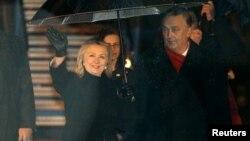 Госсекртарь США Хиллари Клинтон и министр иностранных дел Боснии Златко Лагумджия