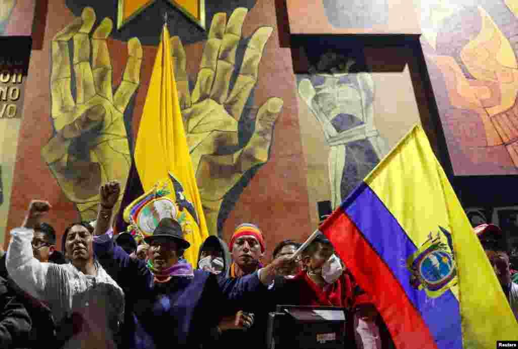 Las callesde Quito, la capital de Ecuador se han visto cruzadas por las protestas de sindicalistas y pueblo en general, y la respuesta de las fuerzas del orden. Octubre 8, 2019. REUTERS/Carlos Garcia Rawlins.