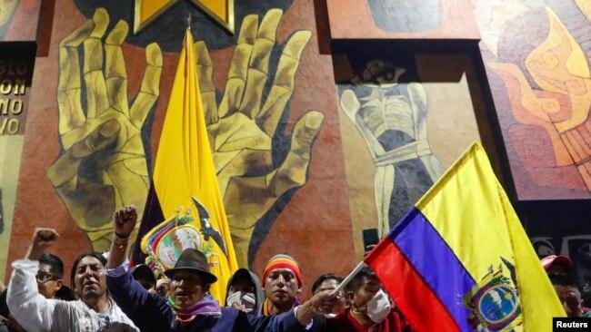 Las medidas de austeridad de Lenín Moreno mantienen en vilo a Ecuador