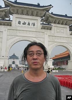 流亡海外的中國作家和詩人貝岭