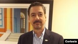El Lic. Sebastián Arcos Cazabón dialoga sobre la política exterior del gobierno Trump