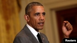 Tổng thống Hoa Kỳ Barack Obama phát biểu về vụ tấn công bằng xe tải trong ngày quốc khánh Pháp ở Nice tại Tòa Bạch Ốc, Washington, ngày 15 tháng 7 năm 2016.