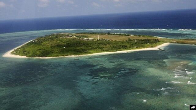 Ảnh chụp từ trên không đảo Pagasa, một phần của quần đảo Trường Sa đang tranh chấp ở Biển Ðông, ngoài khơi bờ biển phía tây Philippines.
