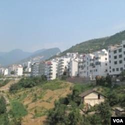 新建的移民村镇