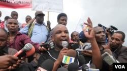 Katibu Mkuu wa chama cha waandishi habari Tanzania Neville Meena akizungumza na waandishi habari.