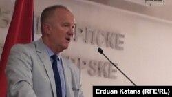Dragan Čavić: Priču o reviziji presude vratiti u institucije BiH