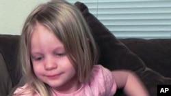 Bé Emilie Parker Fund, 6 tuổi, một trong những em nhỏ bị bắn chết trong vụ thảm sát tại Connecticut.