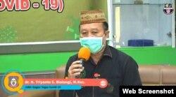Dokter Triyanto S. Bialangi saat berbicara dalam dialog publik yang disiarkan melalui youtube Dinas Kesehatan Provinsi Gorontalo, Kamis, 30 Juli 2020. (Foto: Tangkapan Layar)