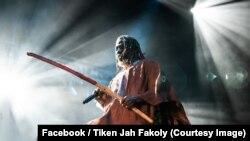 La star ivoirienne du reggae, Tiken Jah Fakoly, sur une photo publiée le 14 septembre 2018. (Facebook/ Tiken Jah Fakoly)