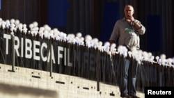 """El festival de cine Tribeca, en Nueva York, se quedó a la espera de la llegada de dos de los actores cubanos del film """"La Noche"""", que finalmente se quedaron en Miami."""