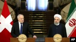 براساس اعلام وزارت امور اقتصادی سوئیس بحثها در این زمینه با مقامهای آمریکایی، ایرانی و سوئیسی همچنان ادامه دارد.