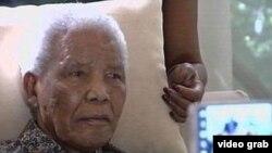 Đảng ANC bị tố cáo lợi dụng khai thác ông Mandela.