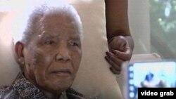 Tokoh Afrika Selatan, Nelson Mandela dilaporkan berada dalam kondisi 'kritis' (foto: dok).