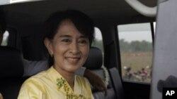 Pemimpin pro-demokrasi Burma, Aung San Suu Kyi (17/4).