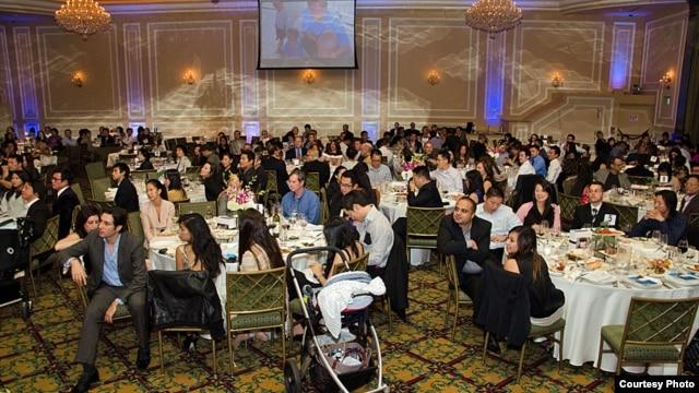 지난달 미국 로스앤젤레스에서 열린 '한 슈나이더 재단' 기부 행사. 북한을 비롯한 세계 고아지원을 위해 3만2천 달러를 모금했다.