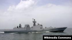 """印度现役""""什瓦利克号""""导弹护卫舰"""