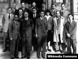 지난 1942년 세계 최초로 자동 핵연쇄반응 실험에 성공한 시카고 대학 연구팀.
