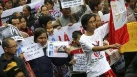 Biểu tình chống Trung Quốc tại Hà Nội ngày Chủ nhật 9/12/2012.