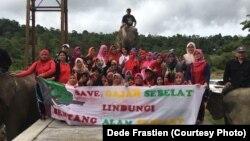 Masyarakat aktif ikut menyuarakan penyelamatan gajah Sumatra di Seblat, Bengkulu. (Courtesy Photo:Dede Frastien)