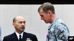 مک کرستل میگوید، ایران طالبان در افغانستان را کمک میکند