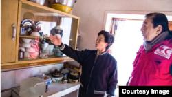 지난해 12월 국제적십자사 (IFRC)의 고노에 다다테루 총재가 10일간 함경북도 수해 지역을 방문해 북한 주민들을 만났다. 사진 출처 = IFRC.