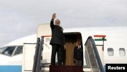 PM India Narendra Modi sesaat sebelum bertolak ke Kabul, Afghanistan (25/12)