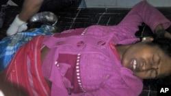 23일 인도 북부 아쌈 주에서 폭동이 발생한 가운데 부상자가 병원에서 치료를 받고 있다.