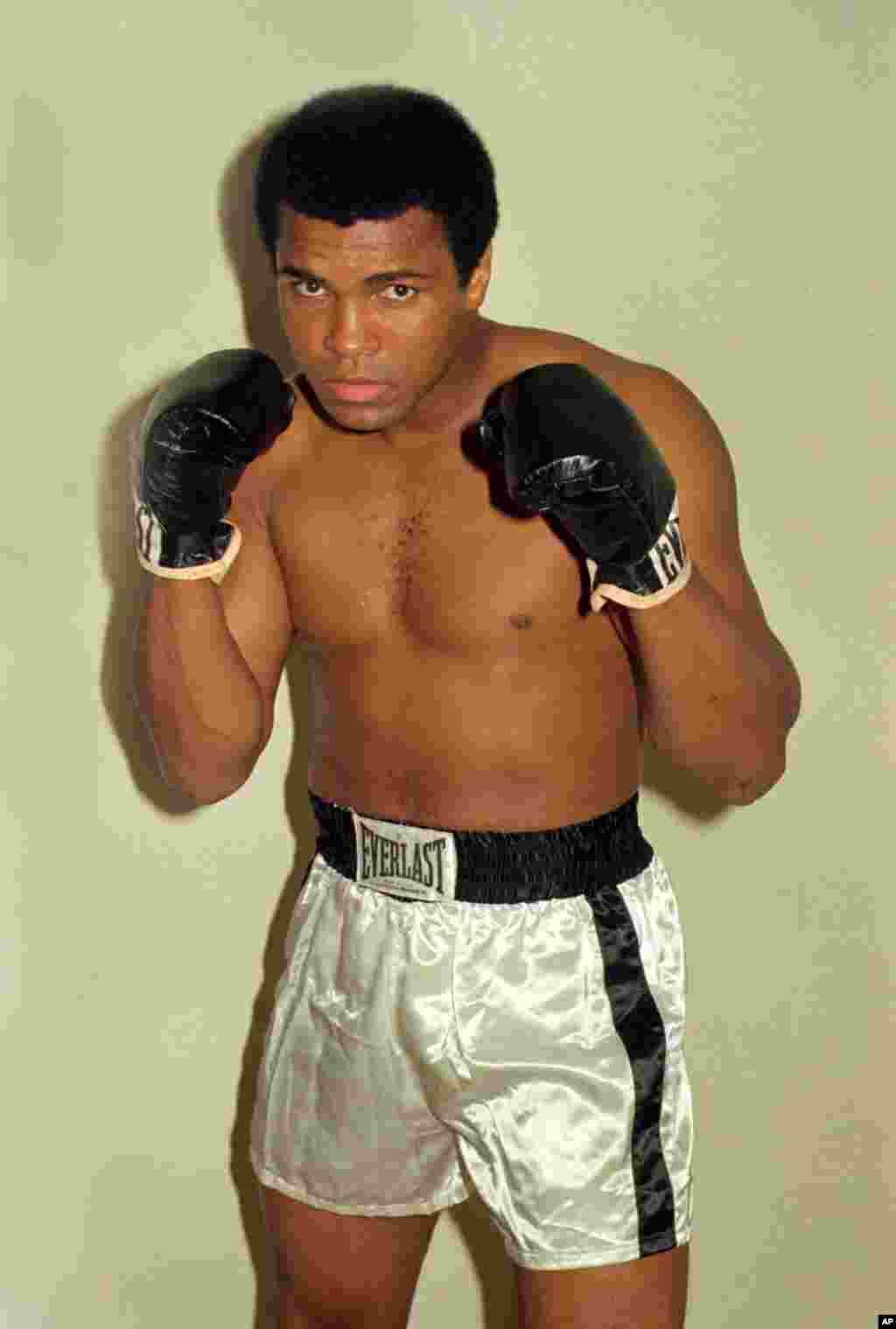 بعد از محرومیت طولانی او در حال تمرین در ۱۹۷۴.