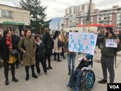 Protesti pred Vladom BiH zbog stanja u Zavodu u Pazariću, 21. novembar 2019.